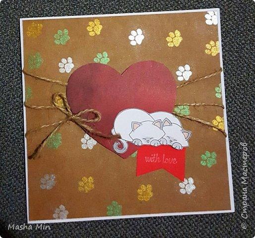 Монохромная открытка с добавлением красных элиментов. фото 4