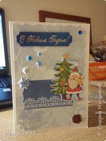 вот такие открытки быстро-быстро наделала коллегам по работе, купила бумагу с дедушкой морозом-второй год активно использую на открытки фото 3