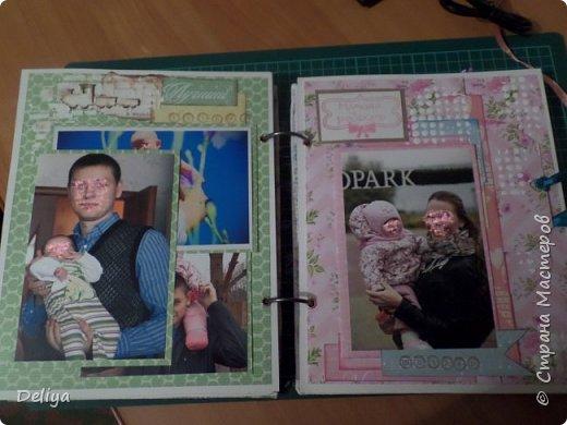Это обложка весь альбом завязывается на ленты розового цвета, фотографировала в спешке (делала на заказ) поэтому фото кратко, буду подробно описывать, итак,..... фото 16