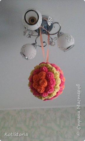 Веер делала по мк     http://stranamasterov.ru/user/224473   к сожалению фотка есть только такая, полу-готового веера. Дочурка постаралась и удалила результаты моих стараний, а веер был подарен одной хорошей женщине. фото 3