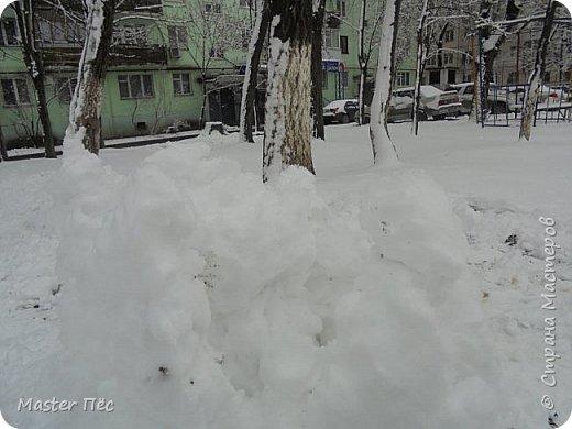 Всем привет, жители СМ! Сегодня у нас выпал снег, и я слепил снежный замок! фото 1
