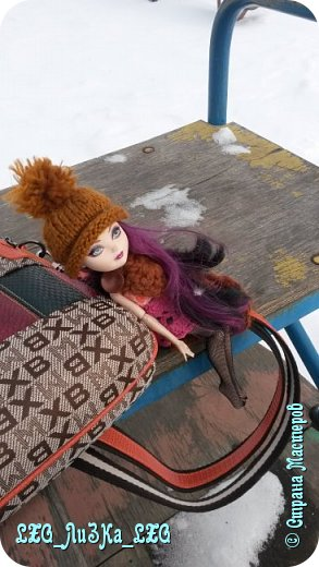 Решили мы прогуляться)Керолайн обзавелась новой шапкой и накидкой. фото 1