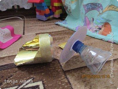 Рапунцель и сестричка. Кровать сделана за пол часа из коробки и крышки от сельди фото 8