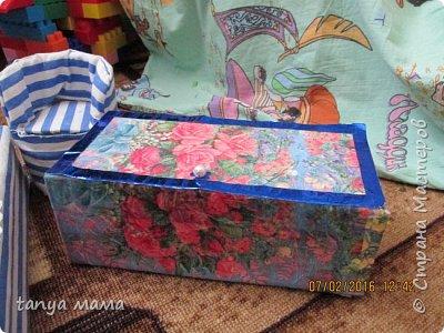 Рапунцель и сестричка. Кровать сделана за пол часа из коробки и крышки от сельди фото 10