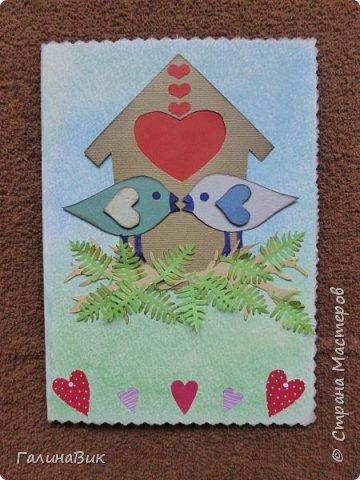 На этом фото представлена валентинка в форме сумочки. Видеоурок МК можно найти здесь: http://www.youtube.com/watch?v=6cUL1gSA298 Я ее сделала, чуть видоизменив. Такая валентинка-сумочка хороша  для вложения шоколадки или другого маленького подарка. фото 13