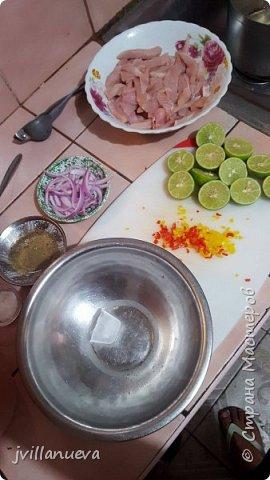 Рецепт 6: 1 кг рыбы Corvina или любой другой свежей рыбы 12 лимонов по вкусу, 1 луковица, перья, щепотка молотого имбиря, мелко нарезанный 1 красный перец, соль и перец по вкусу кубик льда так богатые усиливает вкус!!!Мы начинаем подготовку пища богов инков фото 4