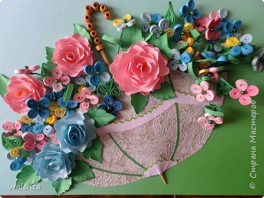 Вот и у меня есть зонтик с цветами.Идею взяла в нашей Стране Мастеров у Антонины 111.Ей отдельная благодарность.Впервые здесь делала розы по МК Лики 2010.Большое спасибо. фото 1