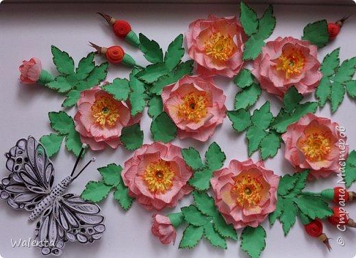 Пока делала розы  для зонтика, созрела вот эта картинка.Конечно,так в природе не бывает - и цветы и плоды одновременно,но ведь в нашей Стране Мастеров творятся настоящие чудеса... фото 1