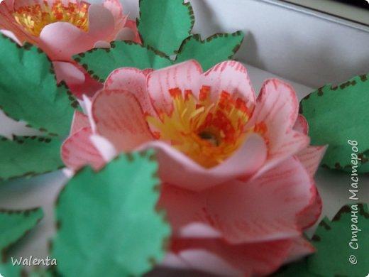 Пока делала розы  для зонтика, созрела вот эта картинка.Конечно,так в природе не бывает - и цветы и плоды одновременно,но ведь в нашей Стране Мастеров творятся настоящие чудеса... фото 4