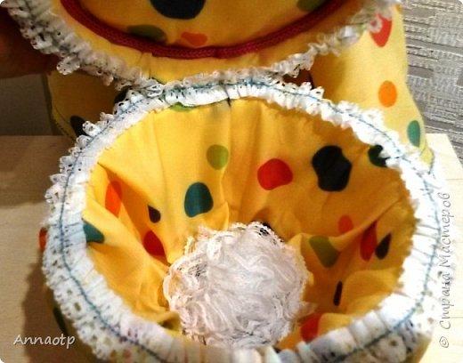 Здравствуйте мастера! Вот вдохновилась работами мастеров этого чудесного сайта и наконец-то решила сама сделать этих замечательных кукол. Дочка из кукол сделала одноногих инвалидов не выкидывать же))))) У одной из кукол восстановила волосы, были желтые и короткие и уже не совсем хорошие, все их убрала и сделала блондинку пепельную. Вообщем смотрите, что получилась. Дама в черном это первая экспериментальная, на ней и тренировалась в ней много косяков, которые пыталась скрыть за декором)))))  фото 28