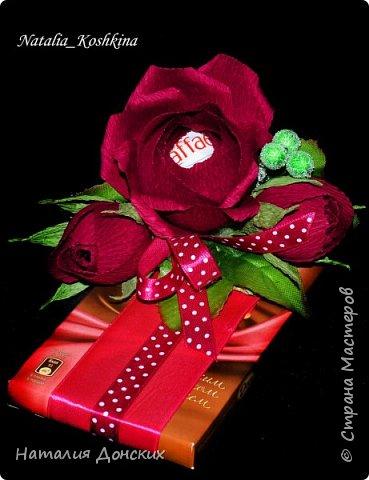 Добрый день моя любимая страна ! Хочу начать с моей на данный момент самой любимой работы! Жалко было даже расставаться. Как же приятно, что есть такие заказчицы которые делают такие подарки своим самым дорогим мамам. К корзинке 53 розы. фото 18