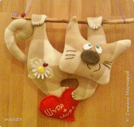 Доброго времени суток, дорогие мастерицы и мастера!!!  Вот такой ехидный котяра у меня получился. Исходное фото увидела вот тут https://www.google.com.ua/imgres?imgurl=https://s-media-cache-ak0.pinimg.com/564x/43/f4/9a/43f49aadec22ddf178166c84a2c2e1bb.jpg&imgrefurl=https://www.pinterest.com/pin/458663543277540920/&h=548&w=564&tbnid=ss7sjBniVr4QHM:&docid=DeupkZPDCoE8OM&ei=EbK3VuXnCauTzAPwuISwDQ&tbm=isch&ved=0ahUKEwiltNnGx-bKAhWrCXMKHXAcAdY4yAEQMwhLKEgwSA     - очень понравился...и я решила сделать себе такого...ну, почти такого фото 1