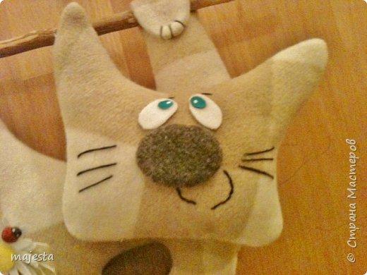 Доброго времени суток, дорогие мастерицы и мастера!!!  Вот такой ехидный котяра у меня получился. Исходное фото увидела вот тут https://www.google.com.ua/imgres?imgurl=https://s-media-cache-ak0.pinimg.com/564x/43/f4/9a/43f49aadec22ddf178166c84a2c2e1bb.jpg&imgrefurl=https://www.pinterest.com/pin/458663543277540920/&h=548&w=564&tbnid=ss7sjBniVr4QHM:&docid=DeupkZPDCoE8OM&ei=EbK3VuXnCauTzAPwuISwDQ&tbm=isch&ved=0ahUKEwiltNnGx-bKAhWrCXMKHXAcAdY4yAEQMwhLKEgwSA     - очень понравился...и я решила сделать себе такого...ну, почти такого фото 2