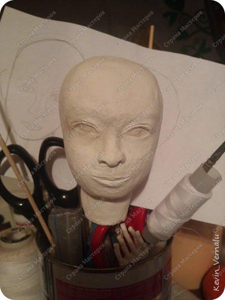 Всем привет!Сегодня я с портретной куколкой из папье маше и керапласта.Это мой дебют.Мама девочки ,для которой делалась эта Куколка,сказала,что похожа.Ну и вас,дорогие гости,прошу поделиться мнением. фото 5