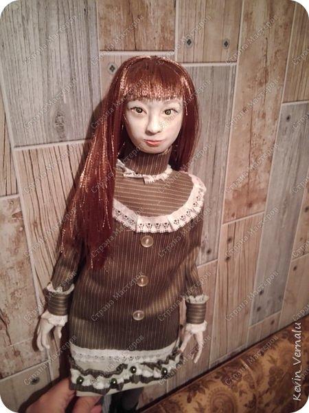 Всем привет!Сегодня я с портретной куколкой из папье маше и керапласта.Это мой дебют.Мама девочки ,для которой делалась эта Куколка,сказала,что похожа.Ну и вас,дорогие гости,прошу поделиться мнением. фото 13