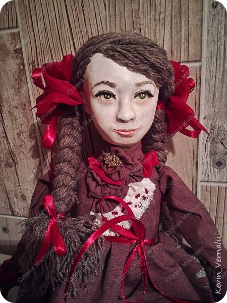 Всем привет!Сегодня я с портретной куколкой из папье маше и керапласта.Это мой дебют.Мама девочки ,для которой делалась эта Куколка,сказала,что похожа.Ну и вас,дорогие гости,прошу поделиться мнением. фото 10