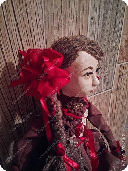 Всем привет!Сегодня я с портретной куколкой из папье маше и керапласта.Это мой дебют.Мама девочки ,для которой делалась эта Куколка,сказала,что похожа.Ну и вас,дорогие гости,прошу поделиться мнением. фото 8