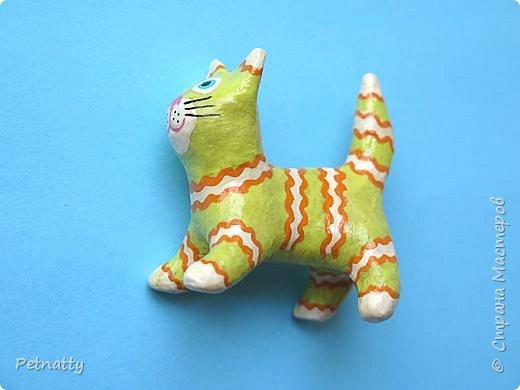 Когда-то я к каждому новому году делала игрушки, некоторые из них сохранились. Среди них и эти котики, им уже много лет.   фото 7