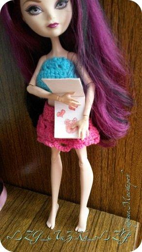 Сегодня утром в комнате Кэри Был полнейший беспорядок.Кэри сидела и что-то шила. фото 10
