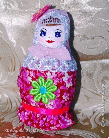 ДОБРЫЙ ВЕЧЕР страна  мастеров , сегодня я к вам с матрешками , давно хотела сделать такие  русские сувениры , вновь применила технику грунтовый текстиль. рассмотрим каждую фото 5