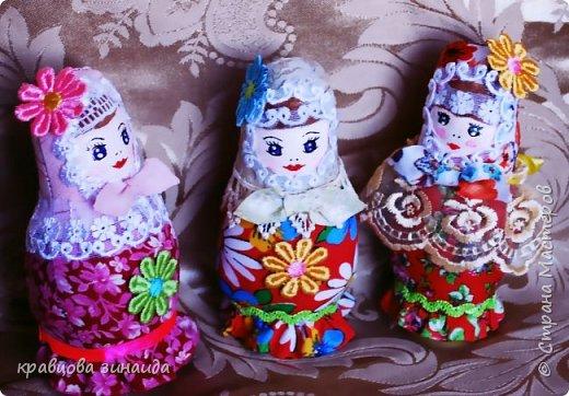 ДОБРЫЙ ВЕЧЕР страна  мастеров , сегодня я к вам с матрешками , давно хотела сделать такие  русские сувениры , вновь применила технику грунтовый текстиль. рассмотрим каждую фото 1