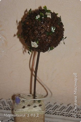 Я давно мечтала купить себе орхидею из бисера, но решила попробовать сделать сама, хотя долго боялась браться. Думала ничего не получится. А теперь, наоборот, заразилась этим рукоделием и хочется попробовать еще сплести другие виды деревьев и цветов.  А вот и моя первая ОРХИДЕЙКА, правда получилось маленькой)  фото 5
