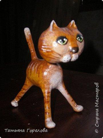 """Этот  котяш сделан по принципу предыдущего слоника, из массы папье-маше на основе футляра из-под """"киндер-сюрприза."""" фото 1"""