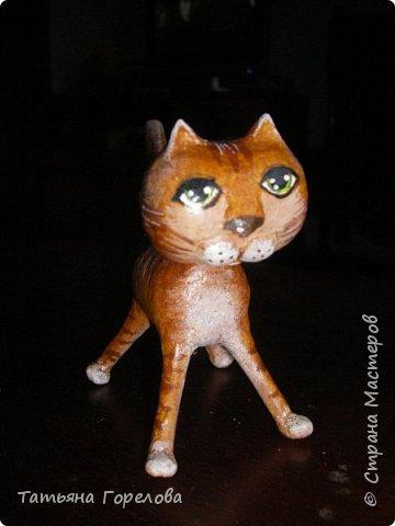 """Этот  котяш сделан по принципу предыдущего слоника, из массы папье-маше на основе футляра из-под """"киндер-сюрприза."""" фото 2"""
