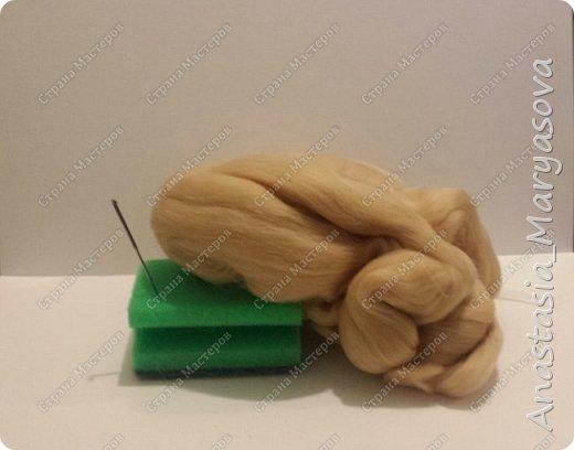 Самое основное для сухого валяния: шерсть, игла для валяния и мат для валяния. На этом можно пост окончить)))  фото 1