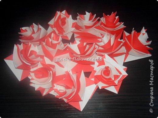 Валентинка с розами из полоски бумаги. фото 25