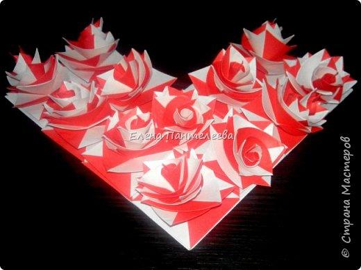 Валентинка с розами из полоски бумаги. фото 35