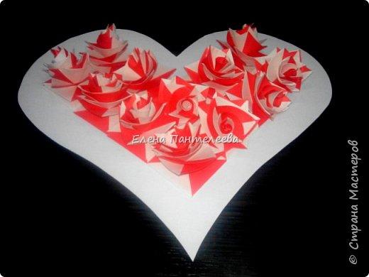 Валентинка с розами из полоски бумаги. фото 38