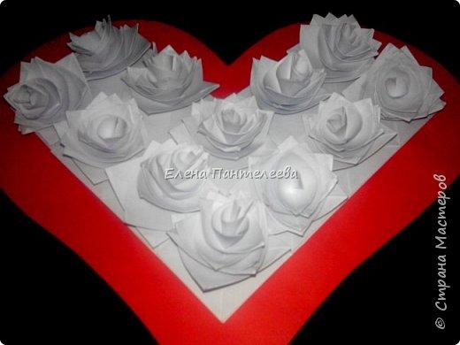 Валентинка с розами из полоски бумаги. фото 6