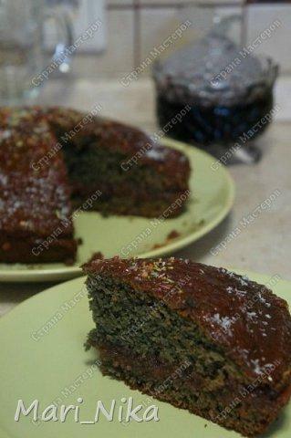 """Добрый день всем!!! Сегодня делюсь рецептом из толстой затертой книжки, рецепт из 90-х, когда с продуктами было очень напряженно, а сладкого хотелось. Называется пирог """"Банкрот"""" еще его у нас называли """"Для бедных"""" из-за минимального и очень доступного перечня ингредиентов. А в итоге на выходе - очень вкусный пирог, очень напоминающий коврижку.  фото 7"""