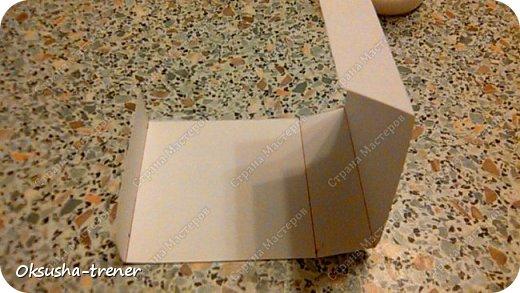 Мастер класс по изготовлению большой коробочки можно найти здесь: http://www.wonderful-day.ru/skoro-svadba/kladovaya-sekretov/sunduchok-dlya-deneg/39-2-master-klass-po-skrapbukingu-korobochka-dlya-deneg. Эта коробочка рассчитана на 27 шоколадок. Для изготовления коробочки на 12 шоколадок подготовьте : Из дизайнерского картона (цвет выбираем по своему вкусу) квадрат 7,5 х 7,5 см 2штуки квадрат 9,5 х 9,5 см 2штуки прямоугольник 6,8 х 19 см 1 штука квадрат 14,8 х 14,8 см 1 штука  фото 10