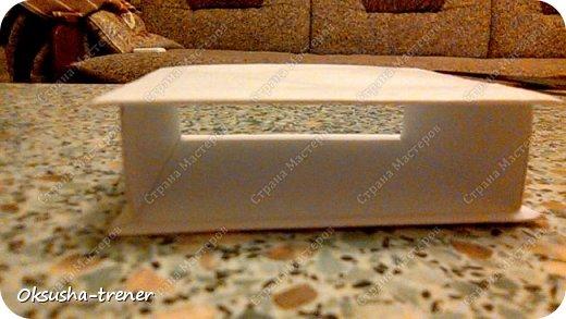 Мастер класс по изготовлению большой коробочки можно найти здесь: http://www.wonderful-day.ru/skoro-svadba/kladovaya-sekretov/sunduchok-dlya-deneg/39-2-master-klass-po-skrapbukingu-korobochka-dlya-deneg. Эта коробочка рассчитана на 27 шоколадок. Для изготовления коробочки на 12 шоколадок подготовьте : Из дизайнерского картона (цвет выбираем по своему вкусу) квадрат 7,5 х 7,5 см 2штуки квадрат 9,5 х 9,5 см 2штуки прямоугольник 6,8 х 19 см 1 штука квадрат 14,8 х 14,8 см 1 штука  фото 18