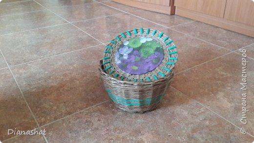 Певая плетенка была из трубочек с буквами (((( для пробы, после нее думала, что не возьмусь больше..., но решилась. Это мои коробочки для мелочей в шкаф  фото 3