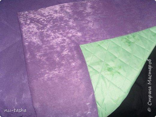 Прошел почти год с моего подвига- первое шитье штор на люверсах( http://stranamasterov.ru/node/926180) и вот опять свершилось: сшила в спальню шторы на люверсах и покрывало на кровать. И не так долог был процесс шитья, как поиски ткани в тон моим сиреневым тюльпанам. Шторы пошились быстро, уже без страха и сомнений. А вот с покрывалом поигралась: пришлось носить его из комнаты в комнату, расстилать на полу, потом нести к машинке...На подклад использовала термостежку. Спасибо большое Светлане Хачиной за ее МК (http://stranamasterov.ru/node/865286?c=favorite), очень вовремя увидела и очень пригодился для красивого оформления углов. Стежка не идеальная, но слишком уж большая площадь для первого раза. Так что я теперь в красоте, чего и всем желаю. Это я про то, что руки у нас всех растут правильно и мы всему учимся... фото 3