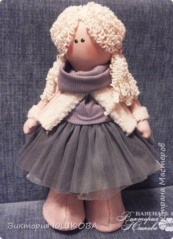 А это мое новое увлечение - текстильные куклы. Я их уже сделала много и в разных стилях и техниках.вот теперь отчет о проделанной работе выкладываю для вас, дорогие жители Страны) В этом блоге куколки большеголовки. фото 2