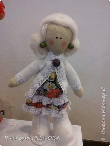 А это мое новое увлечение - текстильные куклы. Я их уже сделала много и в разных стилях и техниках.вот теперь отчет о проделанной работе выкладываю для вас, дорогие жители Страны) В этом блоге куколки большеголовки. фото 9