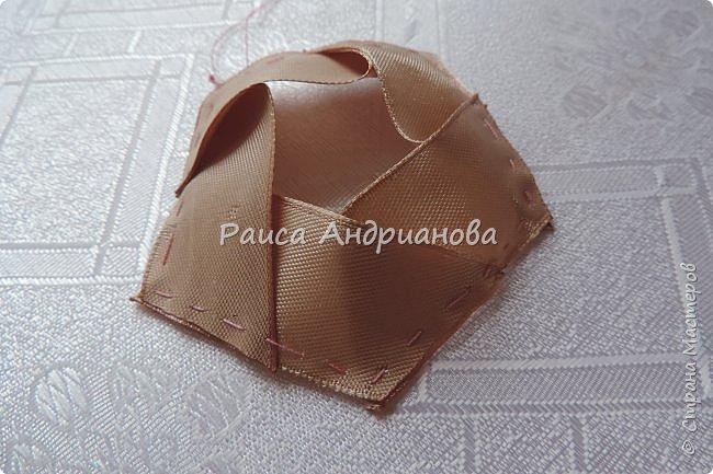 Для вышивки понадобится: атласная лента(ширина 2,5см, 1см),пуговицы или бусинки, нитки. Для клатча понадобится: основная ткань, подкладочная ткань,уплотнитель. фото 7