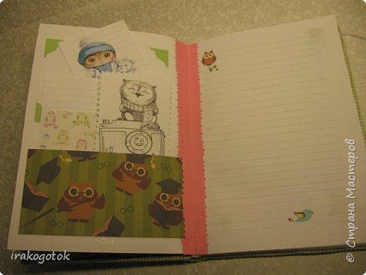 Дорогие мои девочки, сегодня я к вам со своими блокнотиками. Вот такой серенький блокнот у меня - записная книжка парикмахера( похож на мой первый блокнотик). Единственное отличие в разлинковке страничек, здесь на каждой страничке отдельный рисунок. фото 7