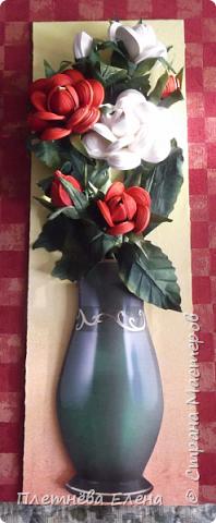 """Доброго времени суток всем жителям Страны Мастеров! Хочу показать вам  работу в любимой мною технике квиллинг """"Розы в вазе"""". Очень люблю её! Надеюсь, и вам она придётся по душе... фото 2"""