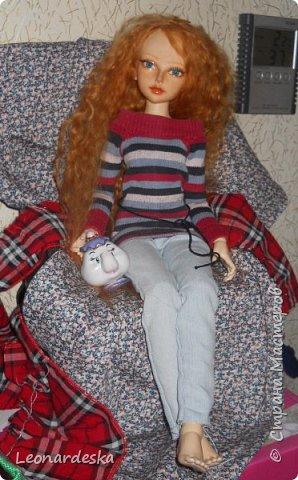 """На НГ Дед Мороз принес Ксю барби, и  неожиданно проявился интерес к кукольным нарядам) пришлось маме доставать старые журналы """"Лола""""и садиться за машинку.  Поскольку за последнее десятилетие фигурка знаменитой куклы притерпела значительные изменения первый вариант пробный из """"нежалкой"""" ткани фото 8"""
