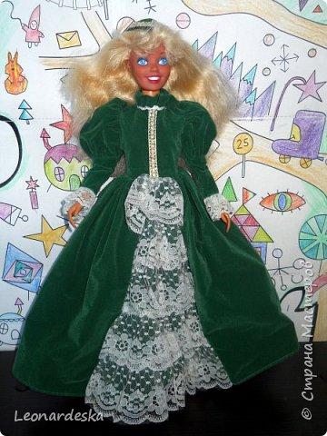 """На НГ Дед Мороз принес Ксю барби, и  неожиданно проявился интерес к кукольным нарядам) пришлось маме доставать старые журналы """"Лола""""и садиться за машинку.  Поскольку за последнее десятилетие фигурка знаменитой куклы притерпела значительные изменения первый вариант пробный из """"нежалкой"""" ткани фото 5"""