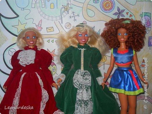 """На НГ Дед Мороз принес Ксю барби, и  неожиданно проявился интерес к кукольным нарядам) пришлось маме доставать старые журналы """"Лола""""и садиться за машинку.  Поскольку за последнее десятилетие фигурка знаменитой куклы притерпела значительные изменения первый вариант пробный из """"нежалкой"""" ткани фото 7"""