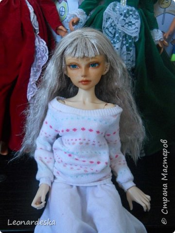 """На НГ Дед Мороз принес Ксю барби, и  неожиданно проявился интерес к кукольным нарядам) пришлось маме доставать старые журналы """"Лола""""и садиться за машинку.  Поскольку за последнее десятилетие фигурка знаменитой куклы притерпела значительные изменения первый вариант пробный из """"нежалкой"""" ткани фото 9"""