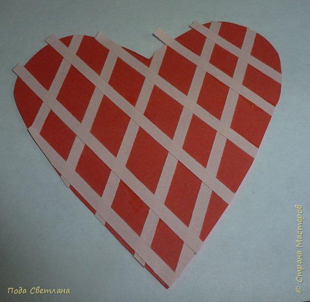 """Здравствуйте! Ко Дню влюблённых придумалась открыточка....хочу представить Вашему вниманию! Соединить два сердца влюблённых """"он"""" и """"она""""... """"они"""" рядом и """"они"""" одно...сердце и сердца влюблённых продолжение друг в друге... Надеюсь у меня получилось это передать... фото 12"""