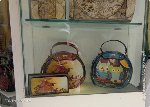 """Идея оформления сумки """"ОСТРОВОК..."""",давно сидела в моей голове...но всё не было самой сумки на которой бы выполнить задуманное...и вот повезло....Долго искала пейзаж,который бы напоминал об отдыхе в Италии и Греции.... фото 4"""