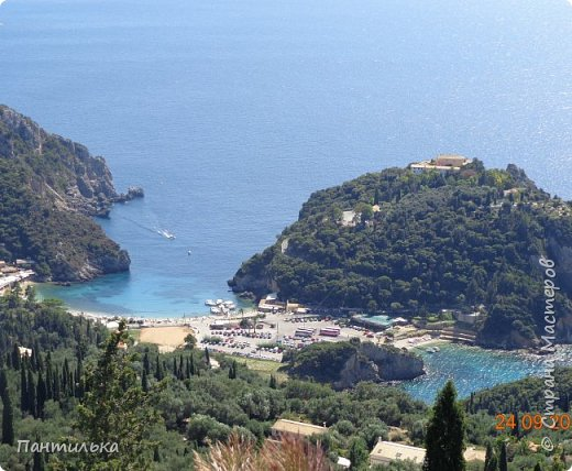 """Идея оформления сумки """"ОСТРОВОК..."""",давно сидела в моей голове...но всё не было самой сумки на которой бы выполнить задуманное...и вот повезло....Долго искала пейзаж,который бы напоминал об отдыхе в Италии и Греции.... фото 3"""